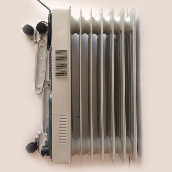 Радиатор масляный, 1900 Вт., 7 секций, 220-230В., 33*24*63 см., встроен. вентилятор