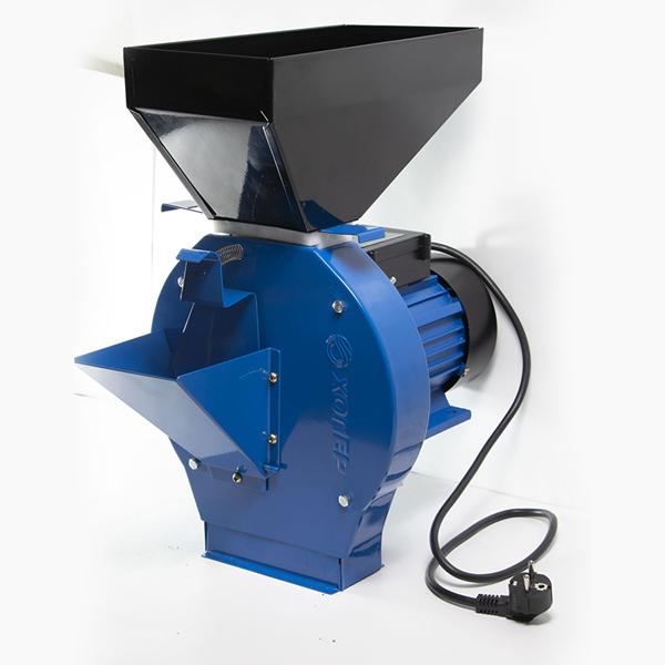 Измельчитель зерна Хопер, 250 кг/ч(зерно), 650 кг/ч(корнеплоды), 220В/50Гц, 2500 Вт, кл. IP 44, 2900 об/мин.