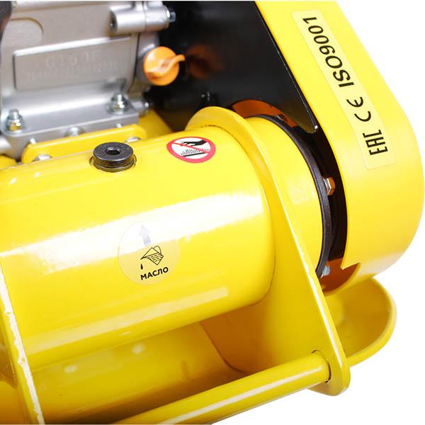 Виброплита с бензин. двигателем , 11кН., 53*37см., 25см., 550м2/час, 4кВт.